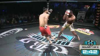 Imagini interzise! Accidentarea HORROR a unui luptator de MMA! Adversarul nu a mai putut privi!