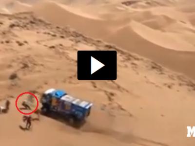 Imagini socante in Dakar: un camion trece peste un spectator si pleaca mai departe, ca si cum nu s-ar fi intamplat nimic // VIDEO
