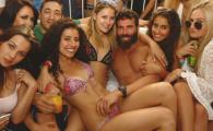 """Cum arata vila """"Regelui Instagramului"""", Dan Bilzerian. Aici isi petrec timpul cele mai SEXY modele"""
