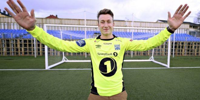 Dinamo a anuntat un nou transfer! El este inlocuitorul lui Penedo - a fost crescut de Arsenal!
