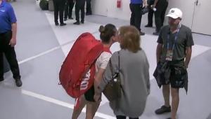 "HALEP - VENUS WILLIAMS | ""Mersi, mami!"" Imagini EMOTIONANTE cu Simona si mama ei la Australian Open. VIDEO"
