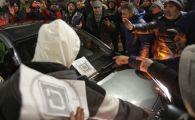 ULTIMA ORA. Ce a patit o masina UBER in Bucuresti, dupa ce taximetristii au inconjurat-o