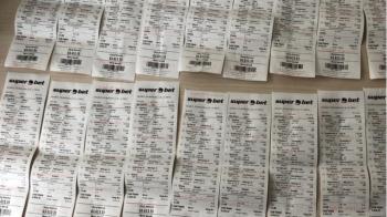 ULUITOR! Trei romani au castigat 270.000 euro la pariuri dupa ce biletul le-a iesit cu 3 secunde inaintea finalului unui meci: FOTO