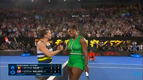 Imaginea asta spune TOTUL!  Ce gest FANTASTIC a facut Simona Halep imediat dupa infrangerea cu Serena Williams. FOTO
