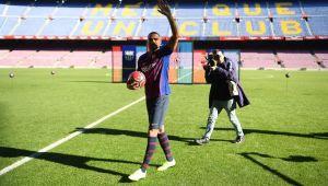 """Kevin Prince Boateng, prezentat oficial de Barcelona! A preluat fostul numar al lui Messi si anunta: """"Nu mai vreau sa plec de aici!"""""""