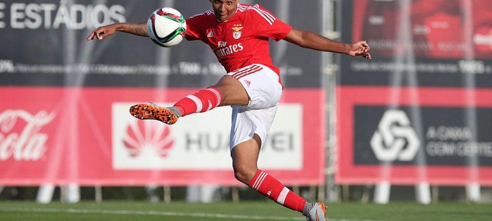 Un jucator cumparat cu 2.8 milioane de Benfica a venit sa dea probe in Romania! Echipa care incearca sa dea lovitura cu doi fotbalisti sositi de la Lisabona