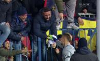 Fanii Genoa, innebuniti dupa Radu! Imagini amuzante la finalul meciului: romanul a ramas in chiloti :)