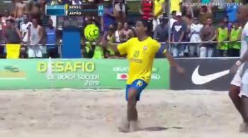 Ronaldinho, ZEUL PLAJELOR la 38 de ani! Brazilianul a facut spectacol din nou in tricoul nationalei. VIDEO