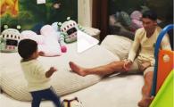 El e noul Messi? :) Cat de bine loveste mingea baietelul lui Ronaldo, la un an si jumatate // VIDEO