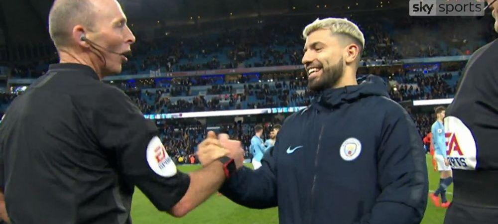 """""""Unde e mingea?"""" Faza amuzanta la finalul meciului Manchester City - Chelsea! Aguero a marcat un hattrick, dar arbitrul s-a tinut de glume!"""