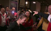 """""""V-ati imbatat fara sa beti!"""" :)) Imagini fantastice dupa victoria Romaniei din FED Cup cu Cehia! Cum a reactionat Simona cand i-a fost turnata sampanie in cap"""