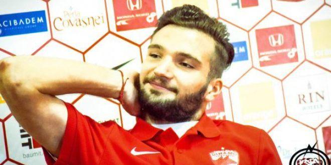 Cel mai prost contract facut vreodata o obliga pe Dinamo sa-i dea 8.000 euro lunar unui fotbalist care a jucat 2 minute! In caz contrar,  cainii  trebuie sa scoata 1.000.000 euro!