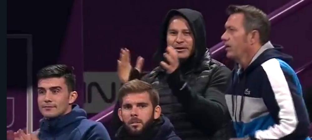 SIMONA HALEP IN FINALA LA DOHA   Noul antrenor al Simonei, trup si suflet in tribune! Ce a strigat Van Cleemput in timpul semifinalei cu Svitolina