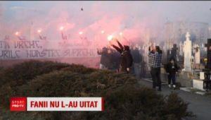 Nu l-au uitat! La 17 ani de la tragica disparitie a lui Cristi Neamtu, fanii Craiovei l-au comemorat pe fostul portar. VIDEO