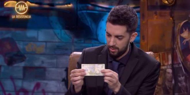 Am in cont 3.318.847 de lei romanesti!  :) Reactia moderatorului emisiunii cand unul dintre cei mai buni jucatori din Spania a scos din buzunar 1 LEU