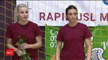 Fotbalistii Rapidului au mers cu martisoare la handbalistele din Giulesti! Fetele s-au suparat: n-a venit jucatorul lor preferat