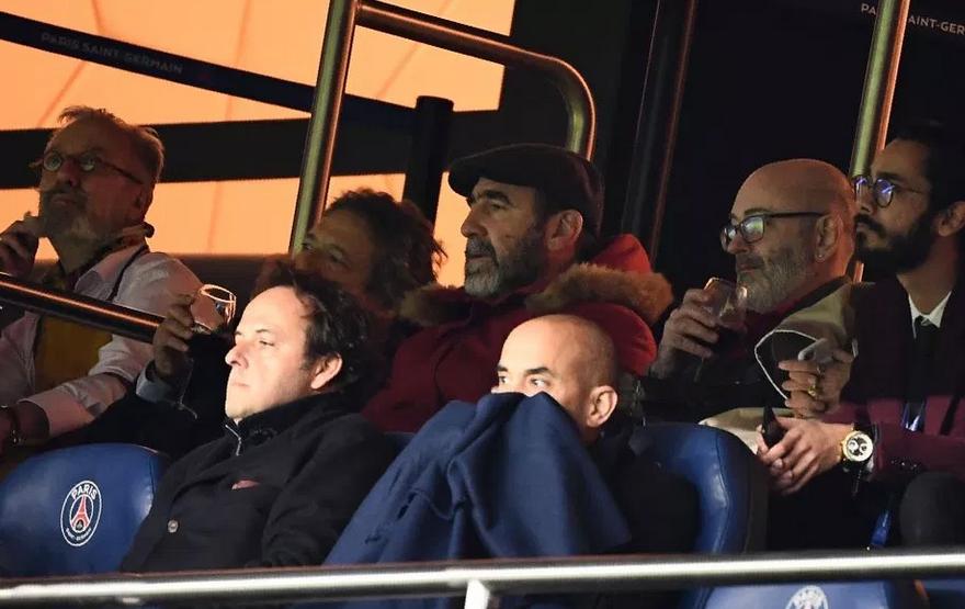 Neymar si tatal lui vs. gasca lui Cantona: rafuiala in tribune dupa PSG - United, stewarzii au intervenit