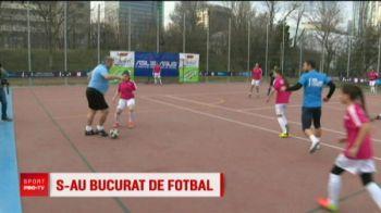 Gloriile nationalei au jucat fotbal cu fetele si au pierdut! Meci caritabil pentru copiii defavorizati
