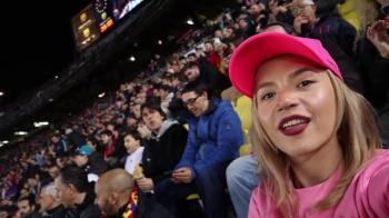 """""""Sper sa-l aduc pe Messi in Romania!"""" O bloggerita din Romania a fost pe Camp Nou pentru Messi! Cum a fost sa-l vada de aproape"""