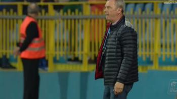"""GAZ METAN - DINAMO 2-1   Reactia lui Mircea Rednic dupa gafa lui Grigore: """"E normal sa fiu suparat, dar nu il desfiintam! Va fi un fundas foarte bun!"""""""