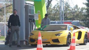 Milionarul roman si-a tras Aventadorul la pompa! Cat l-a costat plinul pentru Lamborghini-ul de 400.000 €