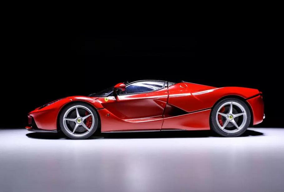 Doar 499 de masini au fost produse! Cine este jucatorul cu un garaj de peste 2 milioane de euro: include un Ferrari extrem de rar! FOTO
