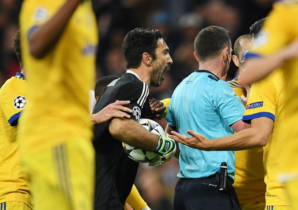BREAKING NEWS | UEFA il trimite pe arbitrul