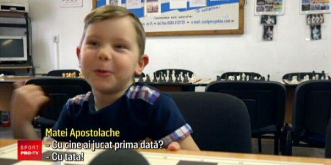 Cel mai tanar campion la sah din Romania a implinit cinci ani! A invatat si matematica:  A invatat deja tabla inmultirii!