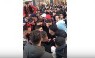 MOMENTUL in care 50 de tineri sar la bataie cu CUTITELE. Au intervenit 100 de politisti. VIDEO