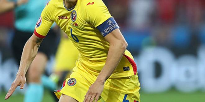 ROMANIA - FEROE, LIVE 21:45 PRO TV | Romania are un nou capitan! Cui i-a dat Contra banderola pentru meciul cu Insulele Feroe, dupa ce l-a scos pe Sapunaru din echipa