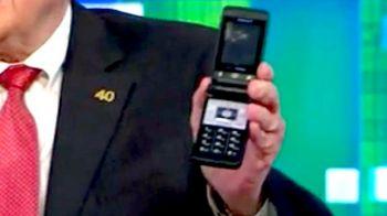 Miliardarul care foloseste telefon de 25 de dolari
