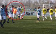 VIDEO | LOVITURA BRUTALA incasata de un jucator de la tusier! Fotbalistul a plecat cu ambulanta, arbitrul cu masina politiei