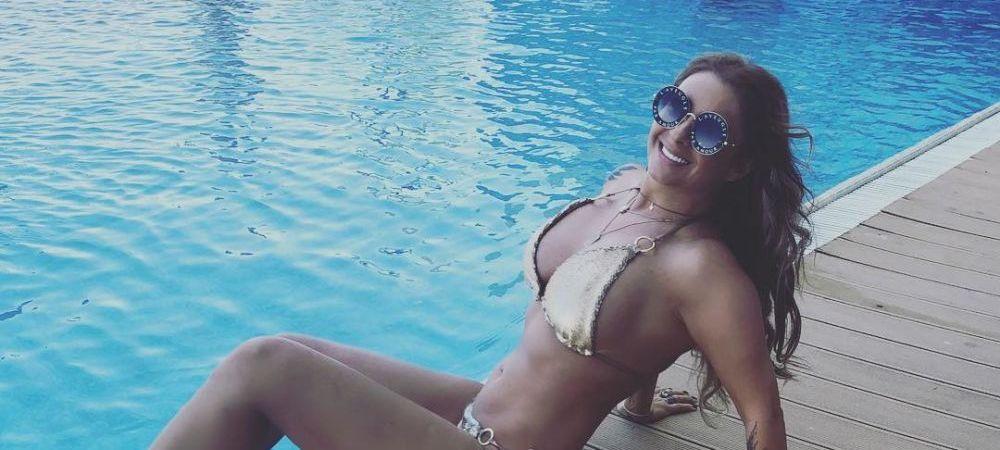 FOTO | Anamaria Prodan loveste din nou! Cum s-a pozat sexy-impresara pe blaconul locuintei din Dubai