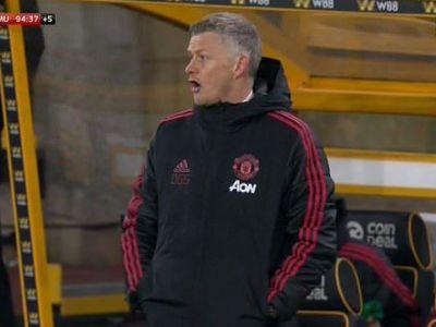 """Fanii lui United au luat foc: """"O rusine! Trebuie pusi primii pe lista de transferuri!"""" Ce faceau cei doi in spatele lui Solskjaer cand Manchester pierdea meciul"""