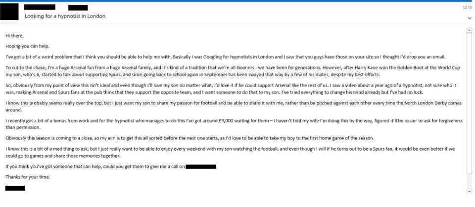 FANTASTIC! Asta inseamna sa fii NEBUN dupa echipa ta: vrea sa-si HIPNOTIZEZE copilul care tine cu Tottenham ca sa UITE TOT! :)) Cu cine trebuie sa tina