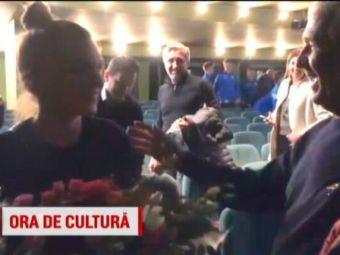 A venit si randul lui Halep sa bata din palme! Simona se relaxeaza la teatru intre antrenamente