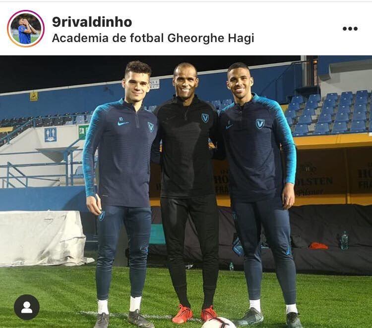 Ianis Hagi si-a facut poza cu Rivaldo inaintea meciului cu Craiova! Fosta legenda a Braziliei s-a imbracat in echipamentul Viitorului!