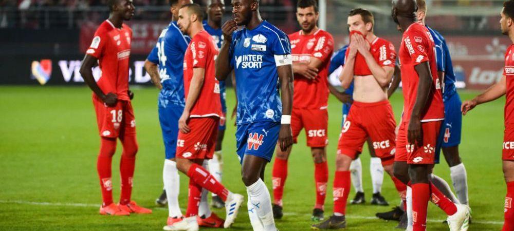 """S-a dus la arbitru si a cerut sa fie oprit meciul! Scandal urias in Ligue 1: """"E inadmisibil asa ceva in secolul 21!"""" Un suporter a fost arestat"""