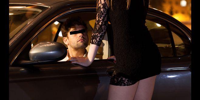 Un focsanean a luat o prostituata in masina. Peste cateva minute a sunat disperat la 112