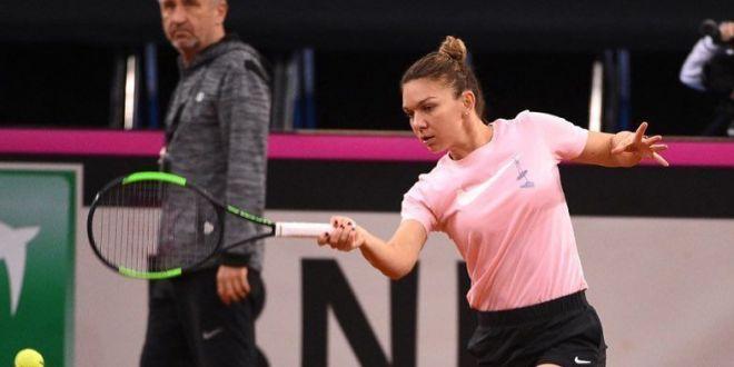 FRANTA - ROMANIA FED CUP | Simona Halep si-a iesit din minti la antrenament! Romanca, extrem de nervoasa in sala de la Rouen:  Ho, ba! Dar gandeste!