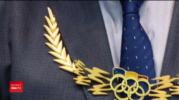"Ivan Patzaichin a primit ""Colanul de Aur"", distinctia suprema in sportul romanesc! Comitetul Olimpic l-a premiat pentru intreaga cariera"