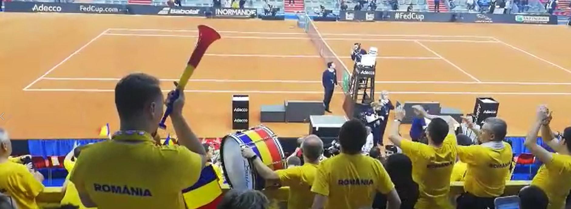FRANTA - ROMANIA FED CUP | Imagini spectaculoase din sala: Emil Boc, sef de galerie! VIDEO