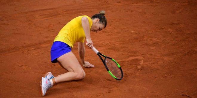 FRANTA - ROMANIA FED CUP | Probleme pentru Simona Halep!  Am o durere la sold!  Ce se va intampla daca se va ajunge la jocul de dublu!