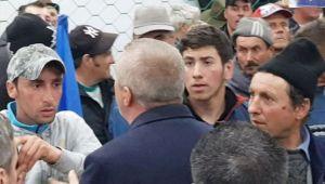 VIDEO Tanarul care l-a huiduit pe Liviu Dragnea la Suceava a filmat momentul in care a fost atacat de mai multi pesedisti