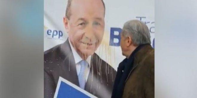 Reactia lui Nastase dupa ce a iscat un nou scandal:  S-a nimerit sa fie Basescu! Putea sa fie Dragnea!  Ce replica i-a dat fostul presedinte