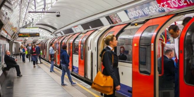 Ce a patit un politician din UK dupa ce a zis ca hotii din metroul londonez sunt ROMANI