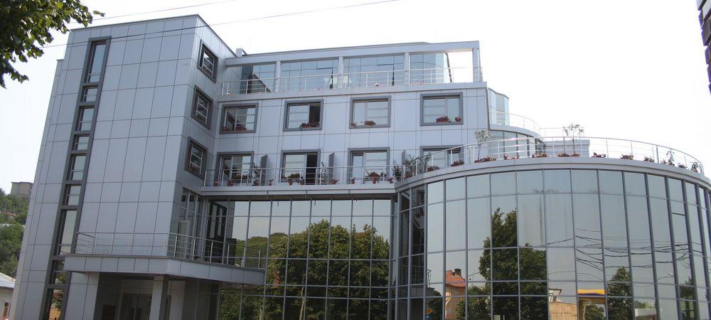 Incendiu la hotelul lui Razvan Rat din Slatina. Care sunt pagubele
