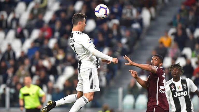 EXTRATERESTRU! Ronaldo a ajuns la 601 goluri in cariera. 100 sunt marcate cu capul!
