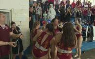 Rapid a terminat peste Dinamo si Steaua! S-a intamplat la polo feminin! Fetele au iesit din apa si au udat trofeul cu sampanie