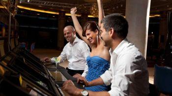 Sportivi si actori celebri pasionati de gambling (P)